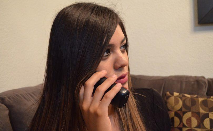 Comment gagner de l'argent avec des scènes de sexe par téléphone