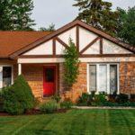 4 façons dont les plans d'étage ouverts rendent un chalet sur mesure plus économe en énergie